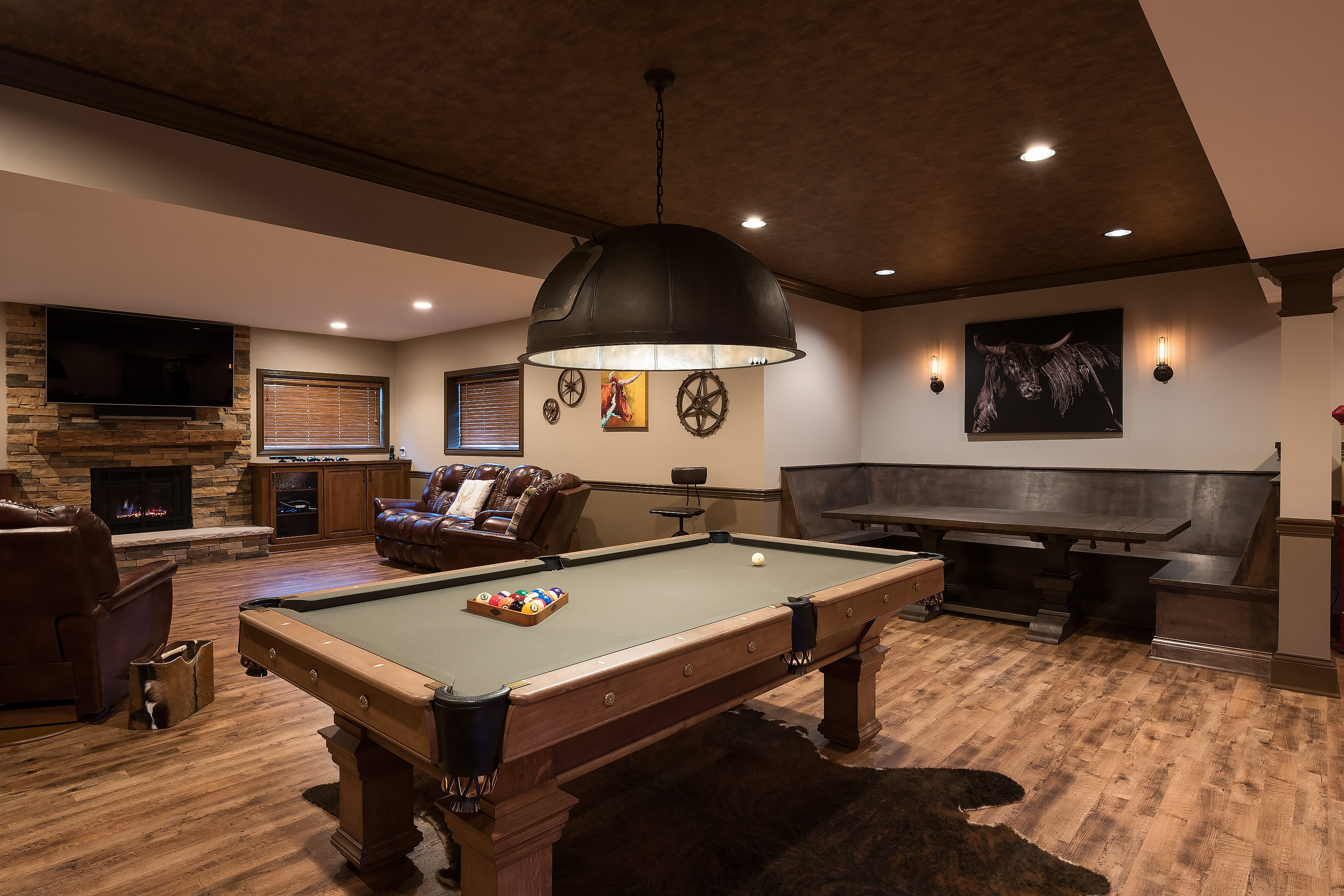 MagazineWorthy Basement W Western Finesse Case Indy - Western pool table